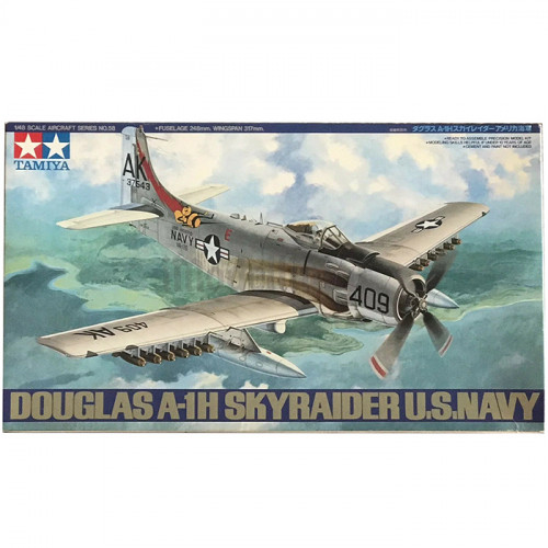 Douglas A-1H Skyraider U.S. Navy 1:48